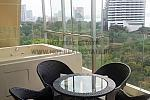 13 balcony with jacuzzi
