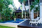 Private garden pool   jacuzzi  small